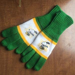 Vintage 70s Snoopy Knit Gloves